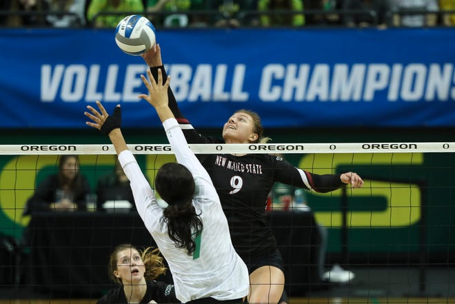 New Mexico State fell in four sets at No. 15 Oregon on Thursday in the first round of the NCAA Tournament.