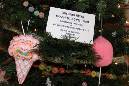 Sweet ornaments wishing for volunteers.