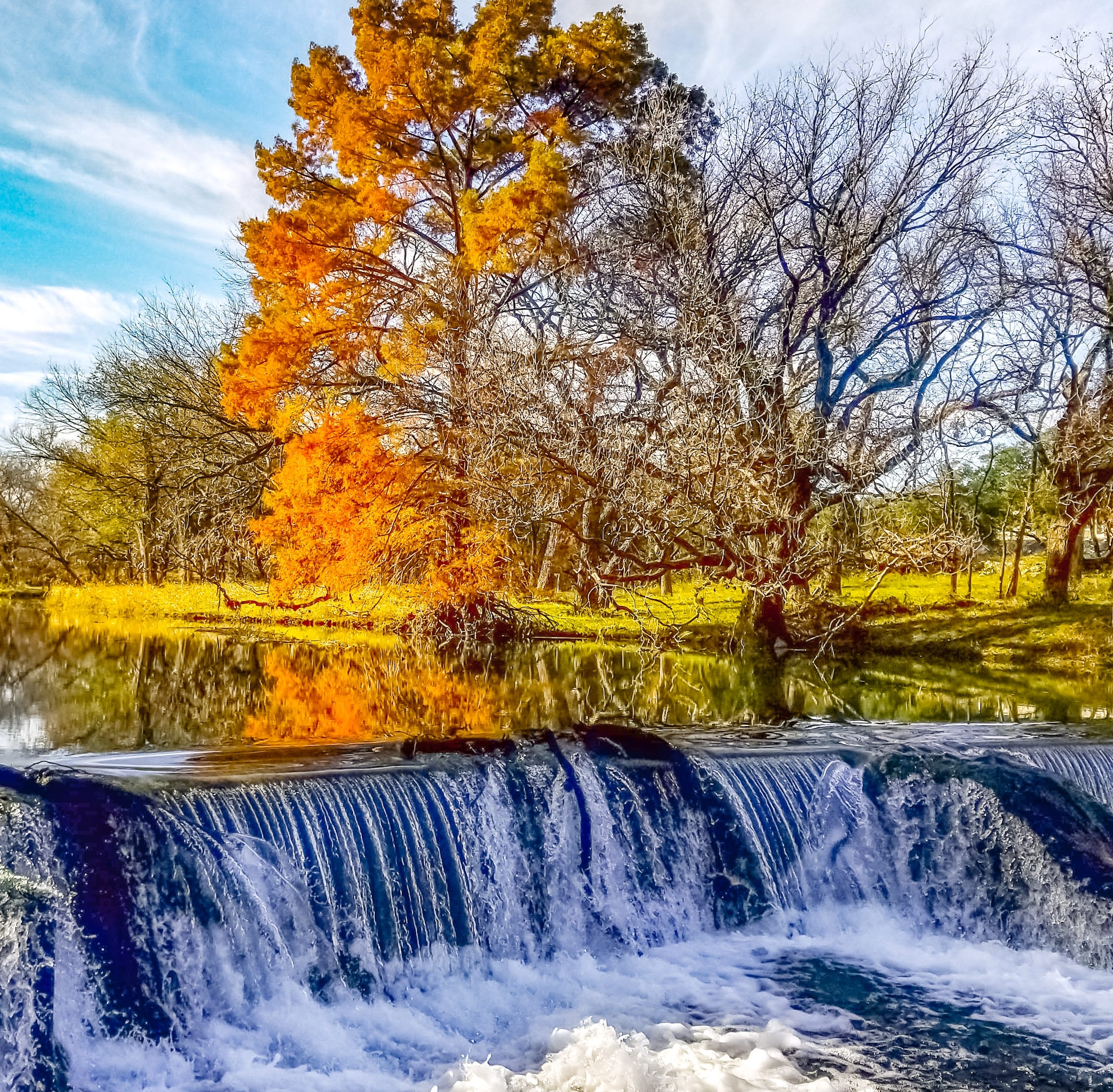Fall colors lure photographer to capture S. Concho River