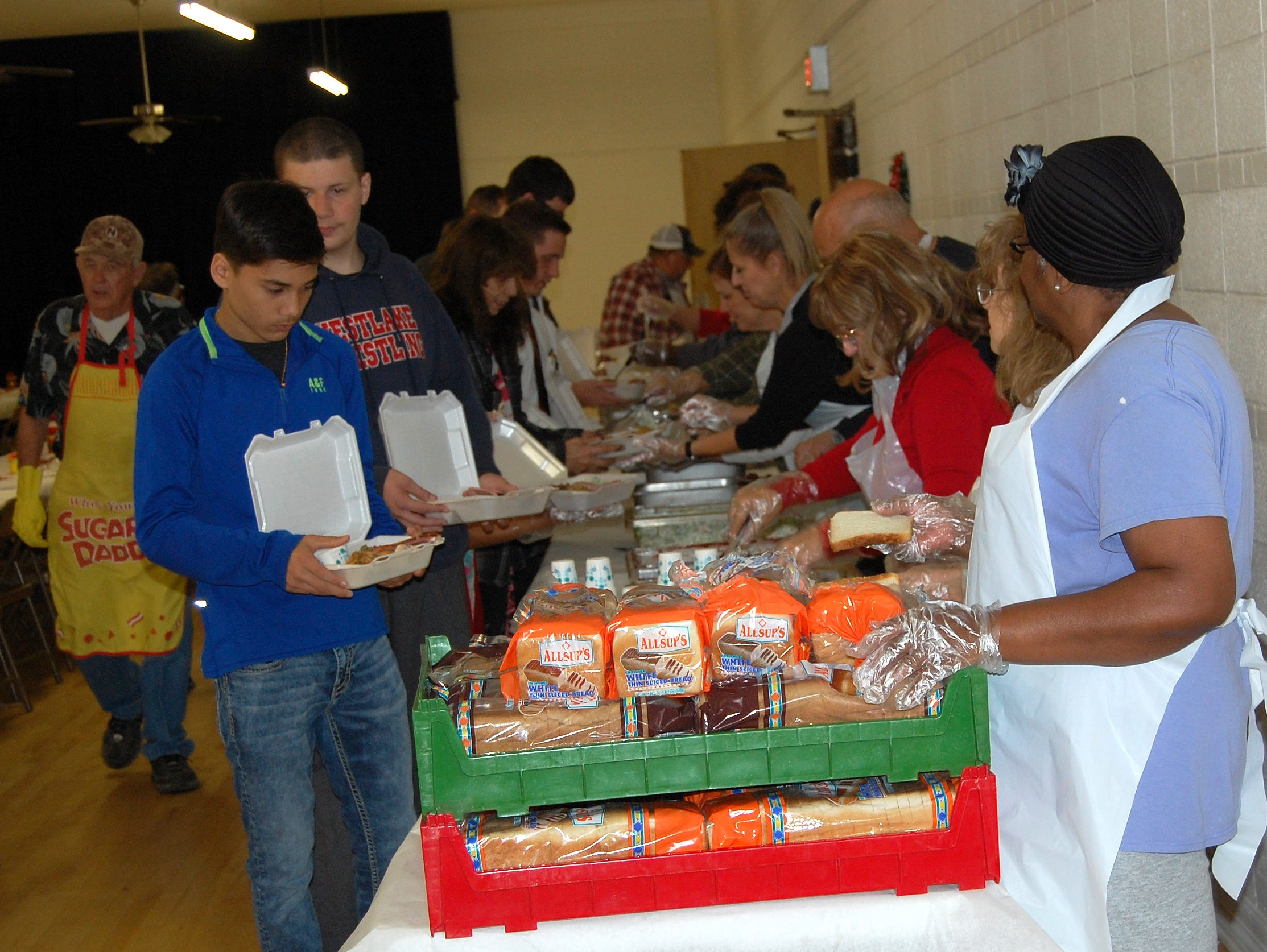 Some 136 meals were served by volunteers at Wilbarger Memorial Auditorium Nov. 22, 2018, as part of the thirty-second annual free Thanksgiving Holiday Spirit Meal program. Another 161 meals were prepared as to go meals by those attending.