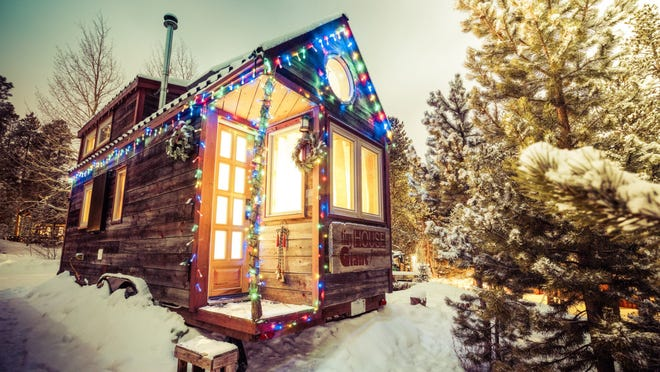 Tiny Homes How Small Houses Are Decorated For Holidays