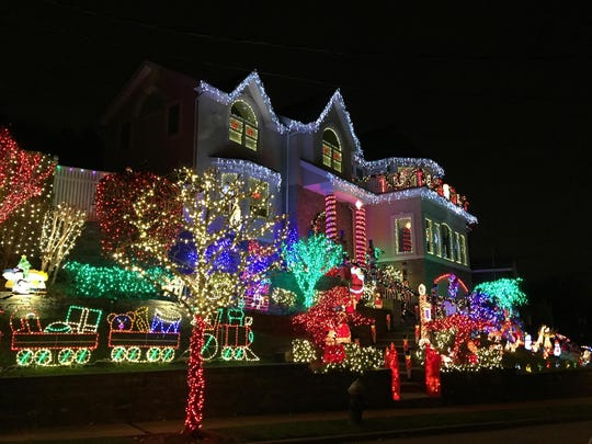 holiday lights installed by the christmas decorators in staten island new york