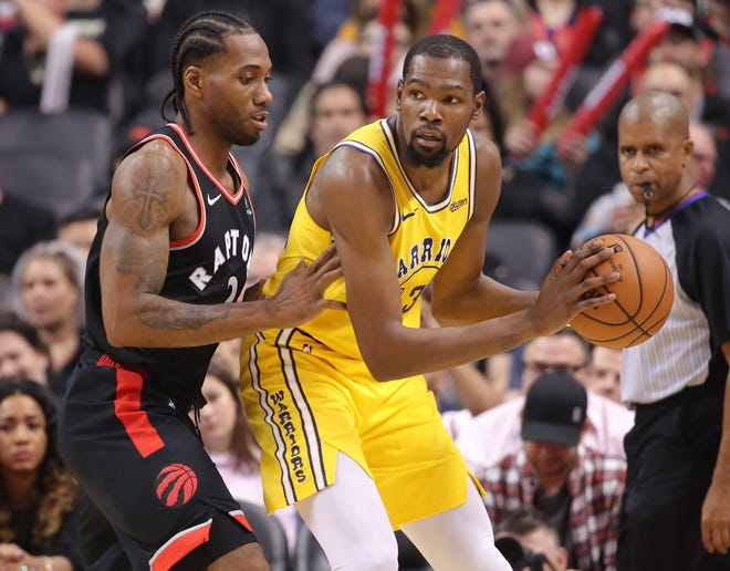 Kevin Durant outscored Kawhi Leonard 51-37, but he Raptors held on to beat the Warriors.