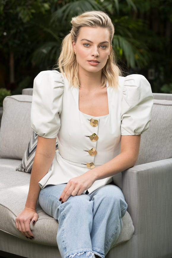 """Margot Robbie transforms as Queen Elizabeth I in """"Mary Queen of Scots."""" Ask her about THAT."""