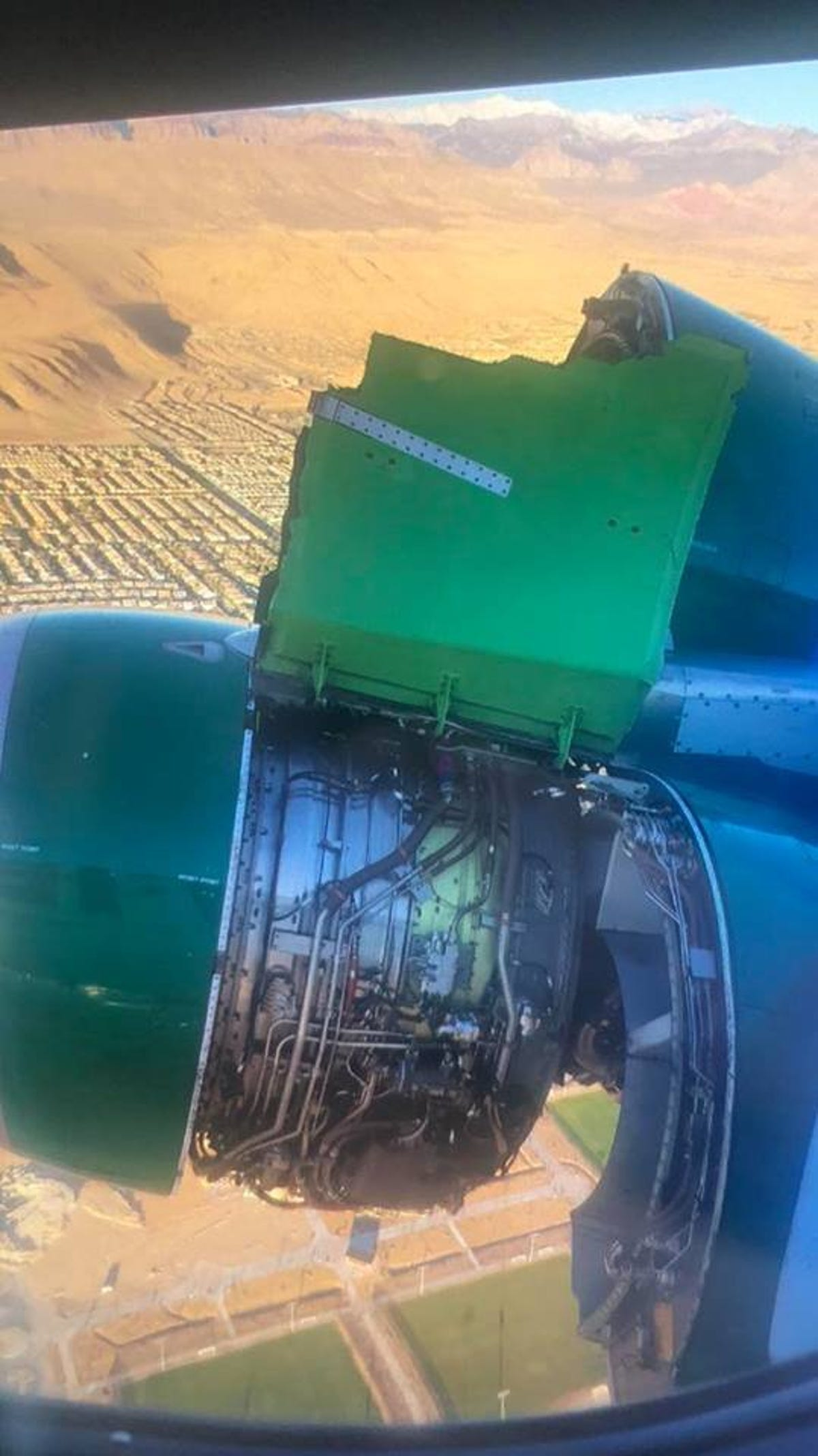Engine cover comes off during Frontier flight from Las Vegas