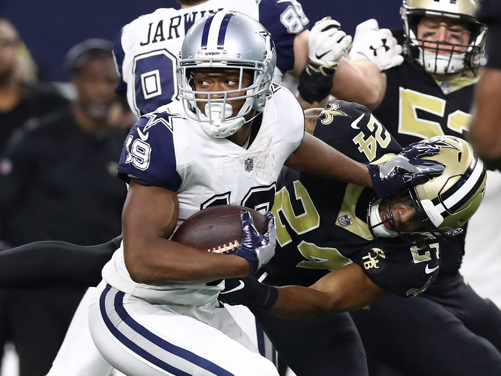 Dallas Cowboys receiver Amari Cooper runs after a reception in the third quarter against the New Orleans Saints.