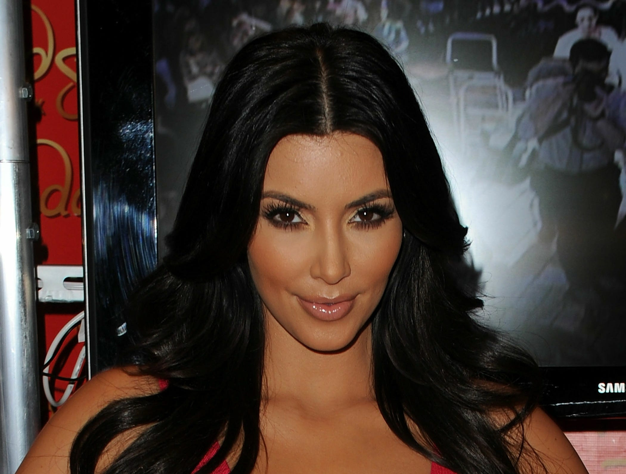 ORG XMIT: 102383184 NEW YORK - JULY 01:  TV personality Kim Kardashian attends her wax figure unveiling at Madame Tussauds on July 1, 2010 in New York City.  (Photo by Stephen Lovekin/Getty Images) GTY ID: 383184SL004_Kim_Kardashi