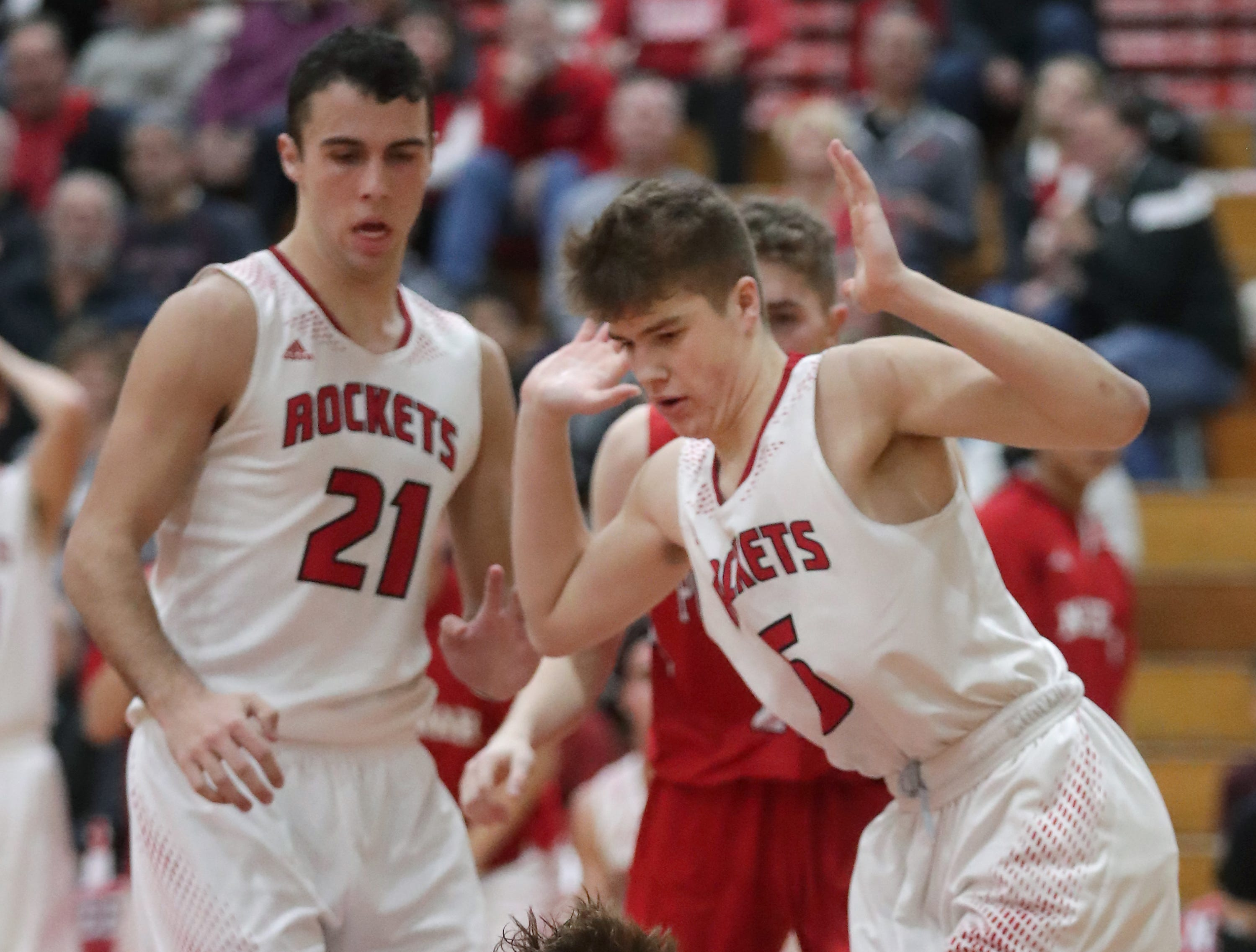 Hortonville High School's #10 Mason Thiel against Neenah High School's #5 Max Klesmit during their Fox Valley Association boys basketball game on Friday, November 30, 2018, in Neenah, Wis. Neenah defeated Hortonville 71 to 67 in overtime.Wm. Glasheen/USA TODAY NETWORK-Wisconsin.