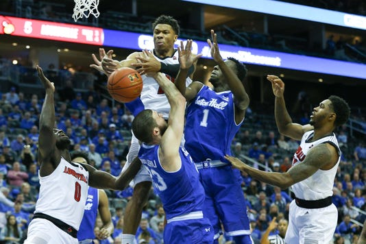 Ncaa Basketball Louisville At Seton Hall