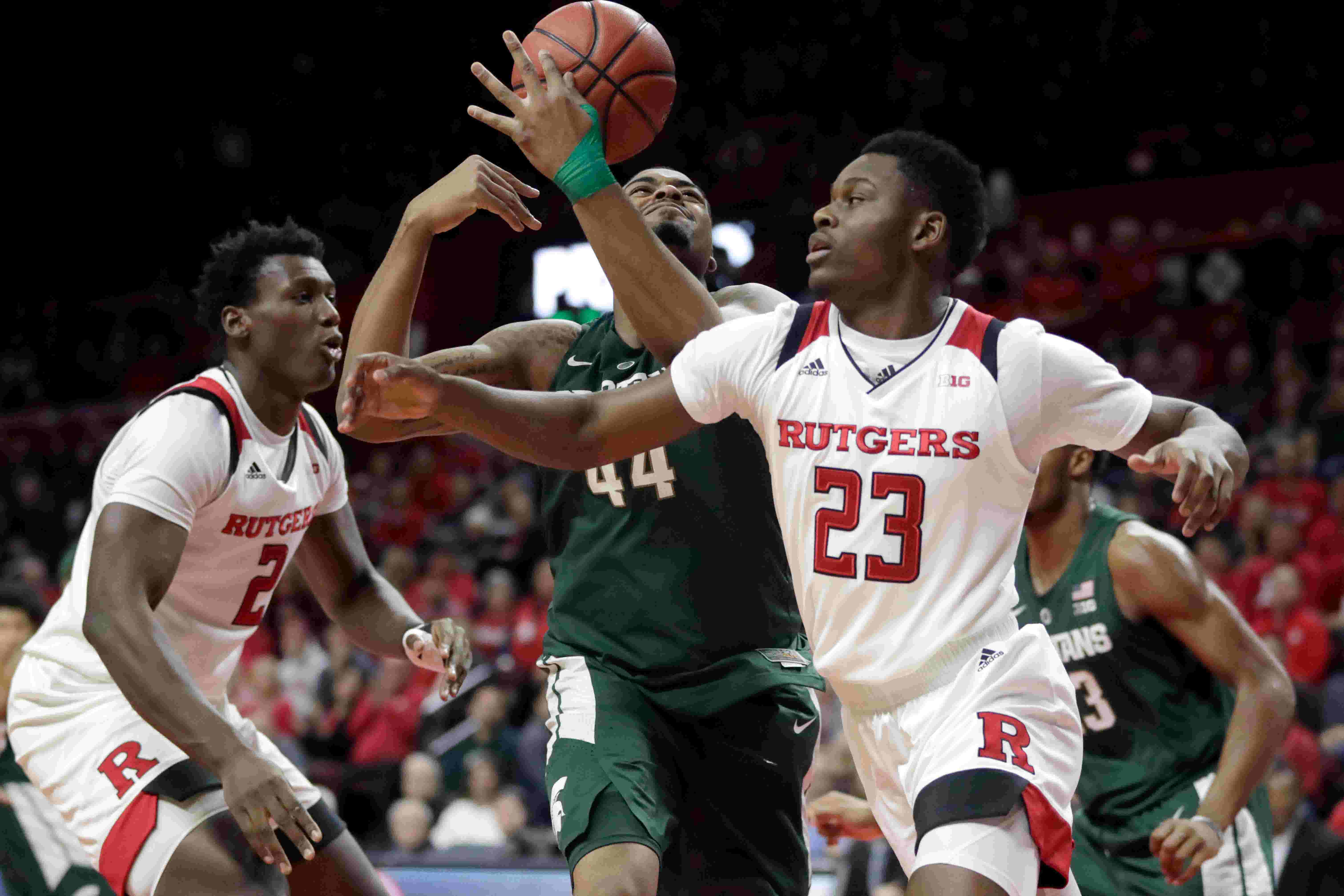 rutgers basketball: sellout crowd not enough as michigan state wins