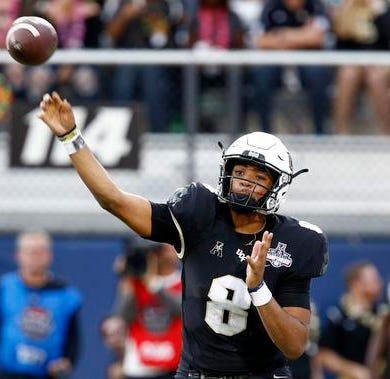 UCF spring game showcases open QB competition