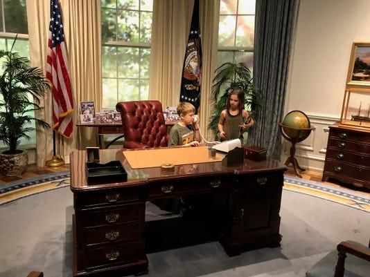 Kids In Oval Office