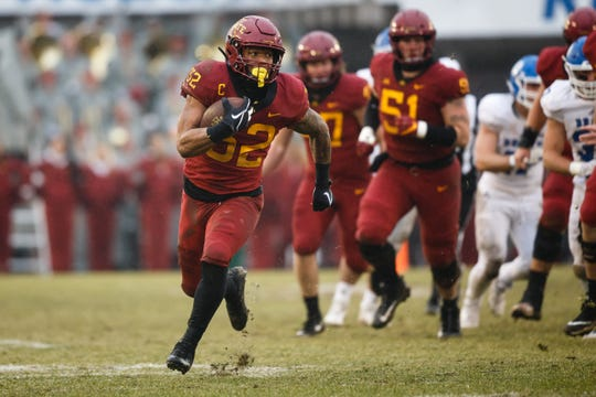 Iowa State's David Montgomery (32) rushes during their football game against Drake at Jack Trice Stadium on Saturday, Dec. 1, 2018, in Ames.