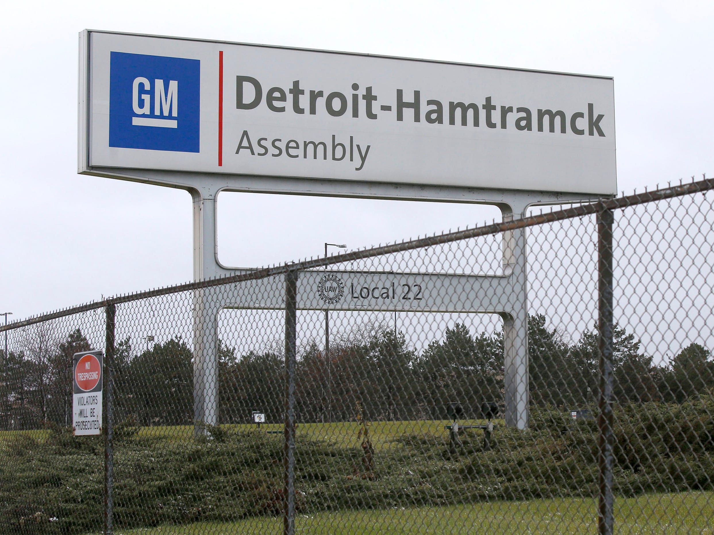 UAW says GM wording on plant closing announcement not OK