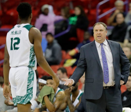 UWGB men's basketball coach Linc Darner is signed through the 2024-25 season.