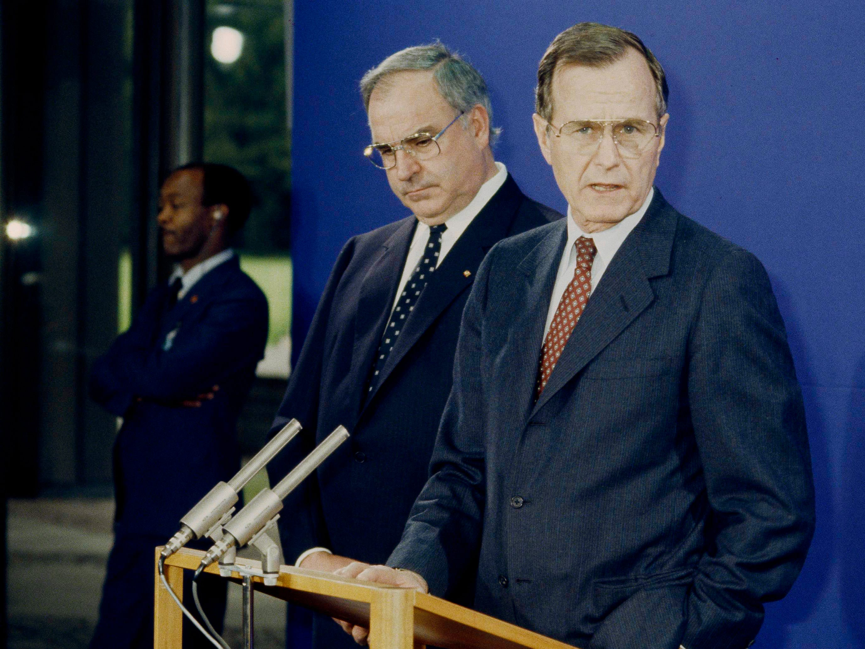 U.S. Vice President George Bush is pictured with West German Chancellor Helmut Kohl during a press conference in Bonn, Germany, Jan. 31, 1983. (AP Photo/Roberto Pfeil)