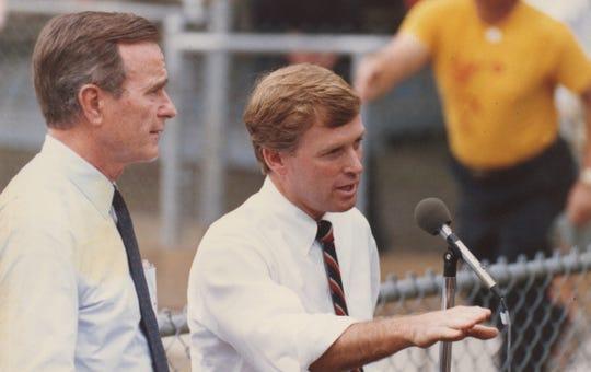 Vice President Dan Quayle with President George H.W. Bush.