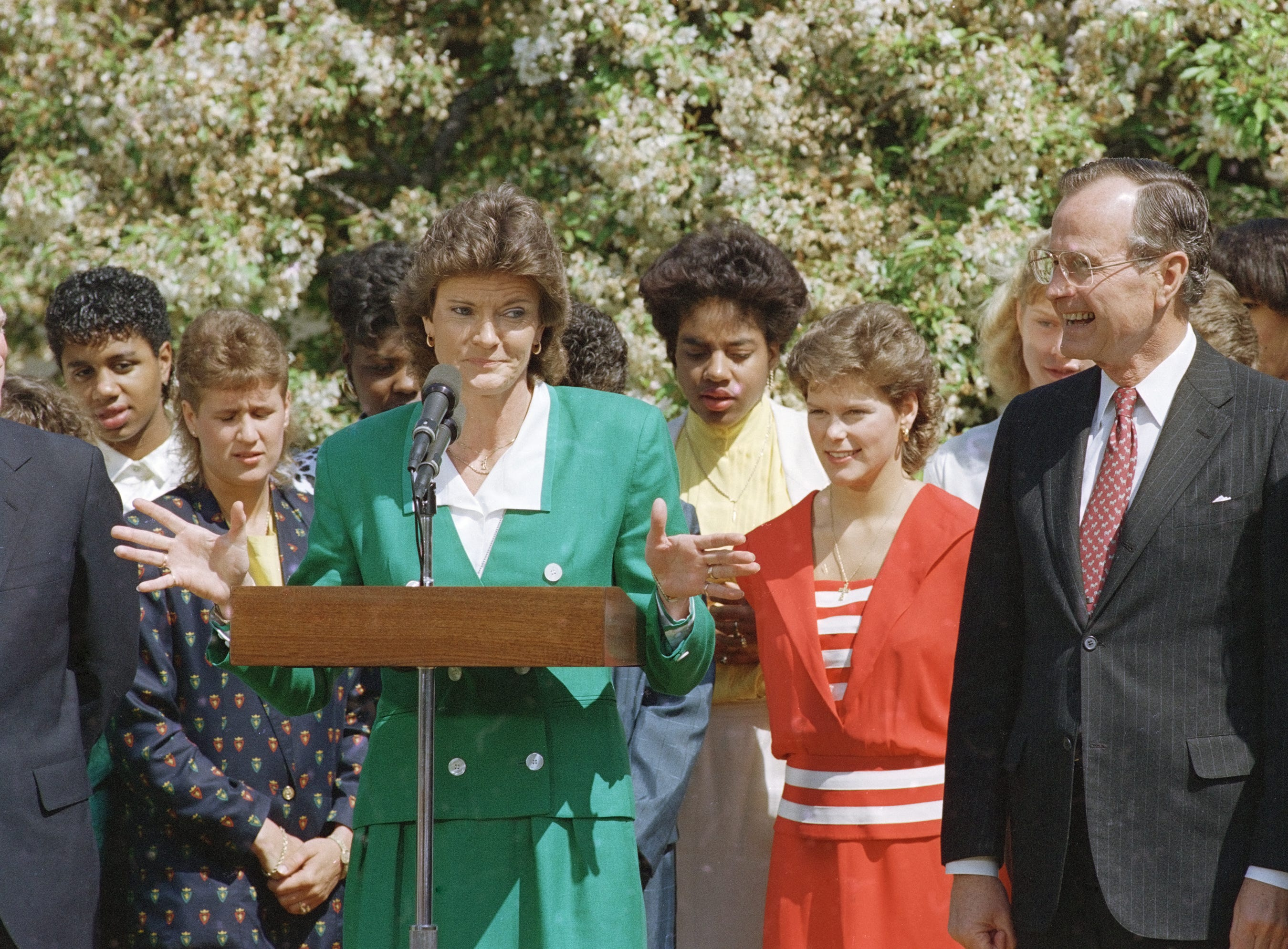 Pat Summitt gives a speech during a celebration of the Tennessee Lady Vols' second NCAA national championship with President George Bush on April 20, 1989 at the White House. The Lady Vols defeated Auburn's Lady Tigers 76-60 in Tacoma, Wash.