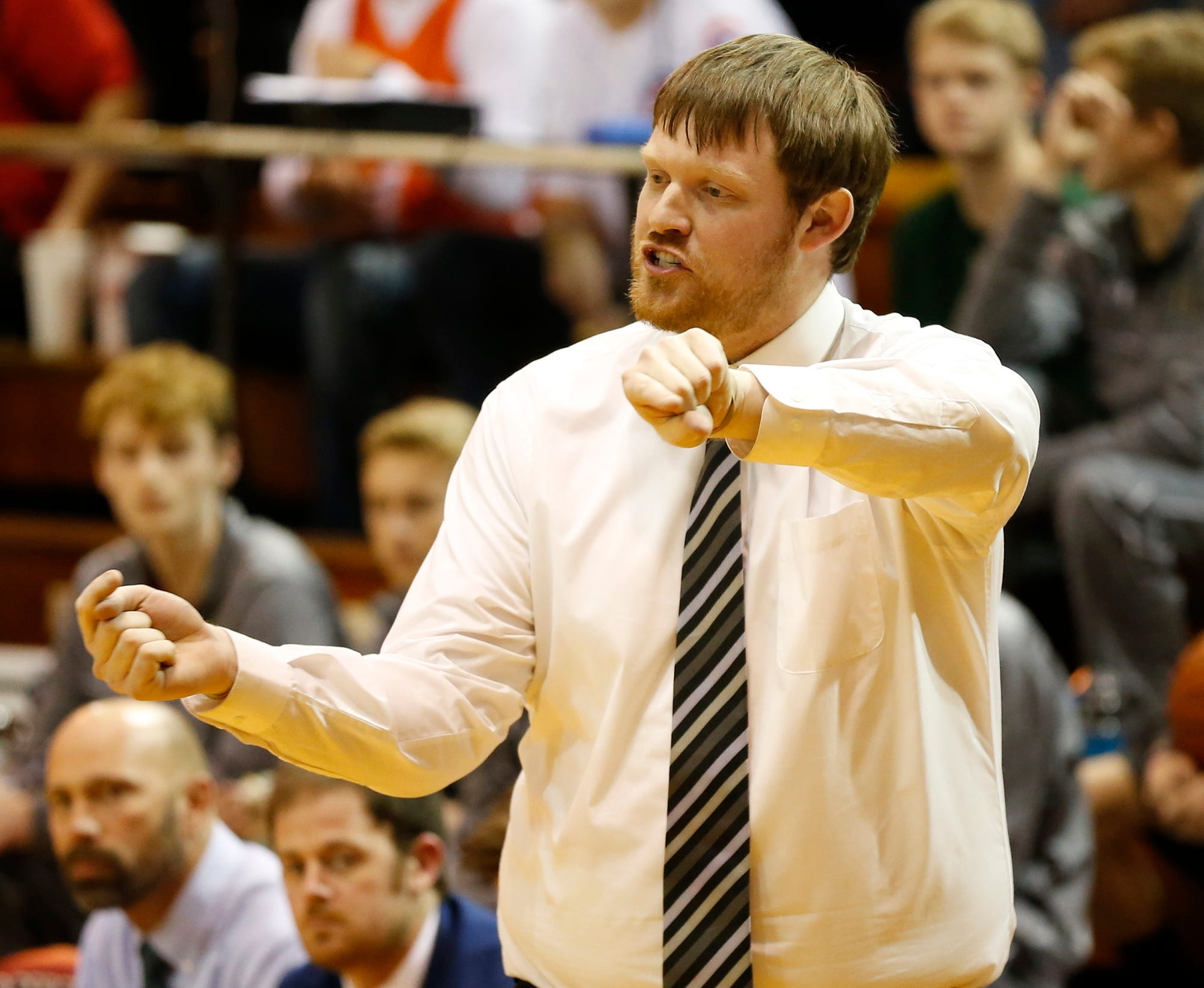 Jordan Myers coached Benton Central for two seasons. He's moving to Vincennes Lincoln to get closer to home.
