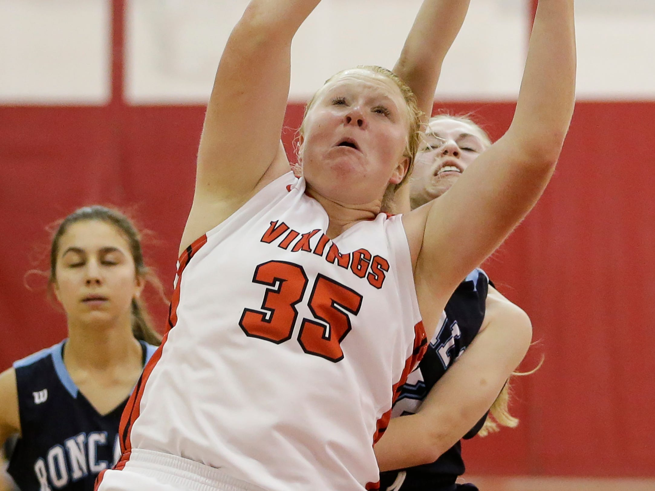 Valders' Kendra Hammel rebounds against Roncalli in an Eastern Wisconsin Conference game at Valders High School Friday, November 30, 2018, in Valders, Wis. Joshua Clark/USA TODAY NETWORK-Wisconsin