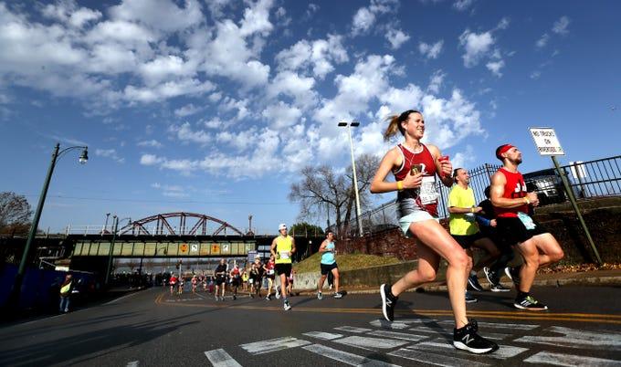 Scenes from the start of the 2018 St. Jude Memphis Marathon on Saturday, Dec. 1, 2018.