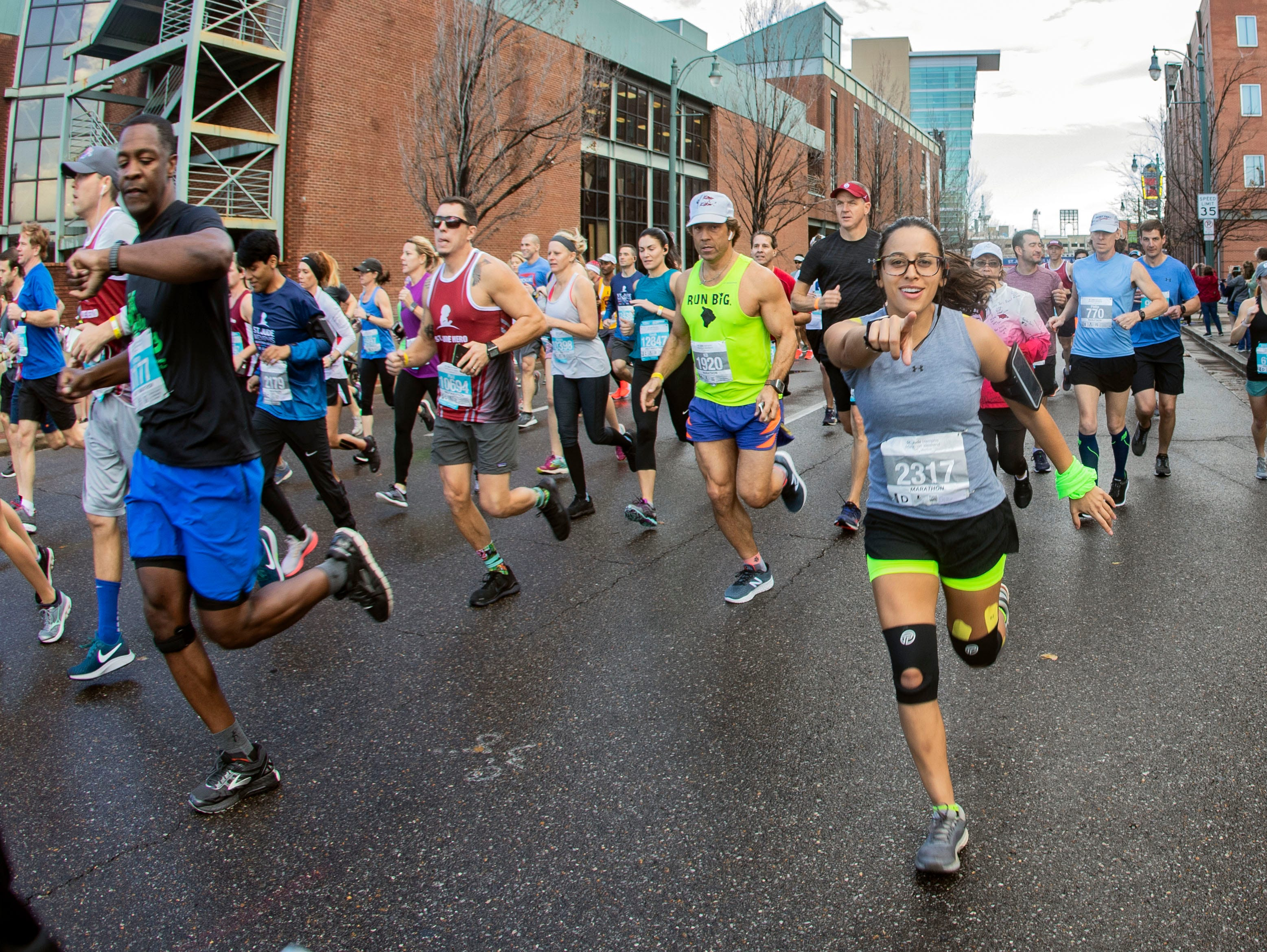 Scenes from the start of the 2018 St. Jude Memphis Marathon on Saturday, Dec. 1, 2018.