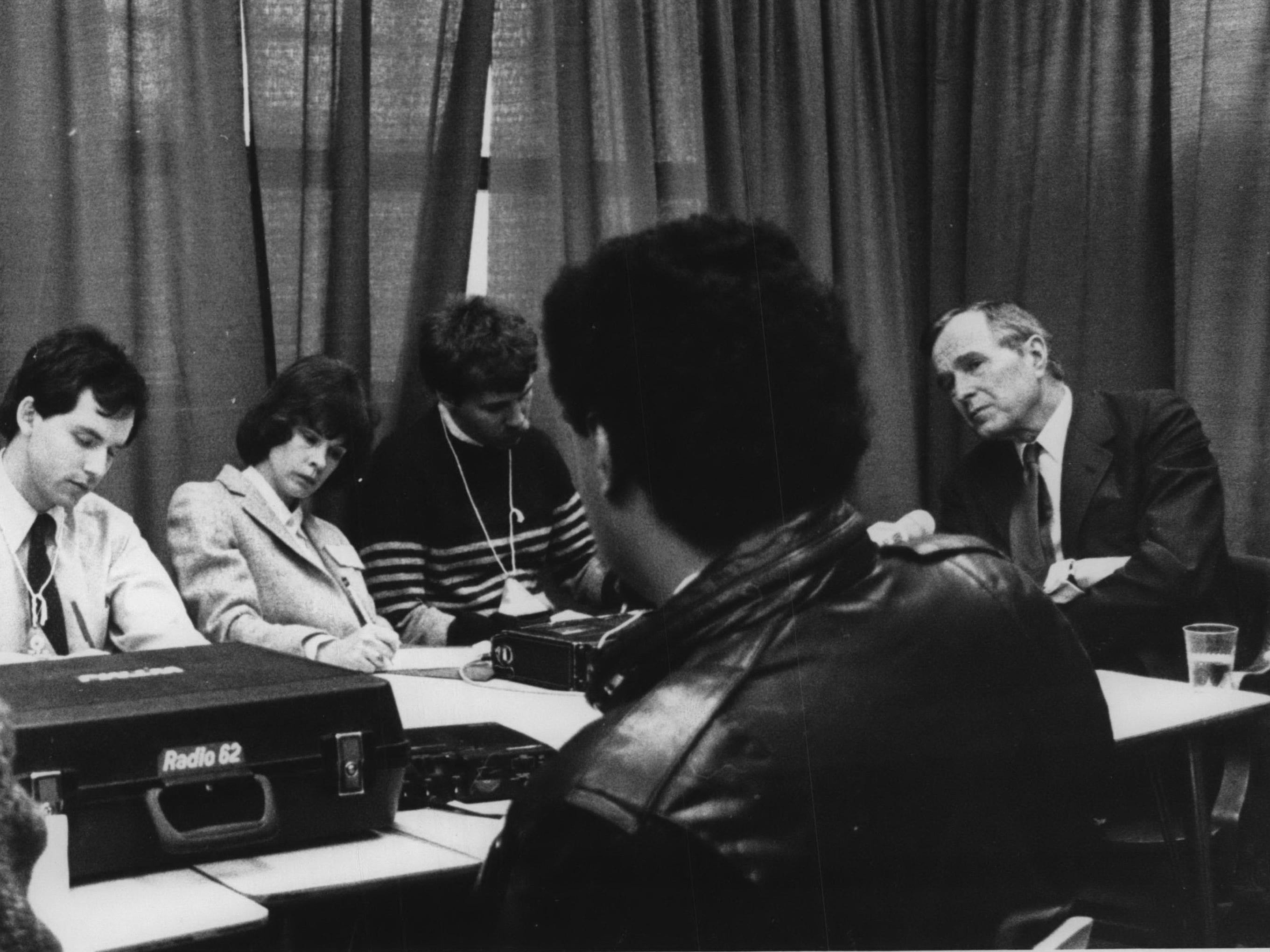 George Bush has a round table meeting at Marquette University High School in 1988.