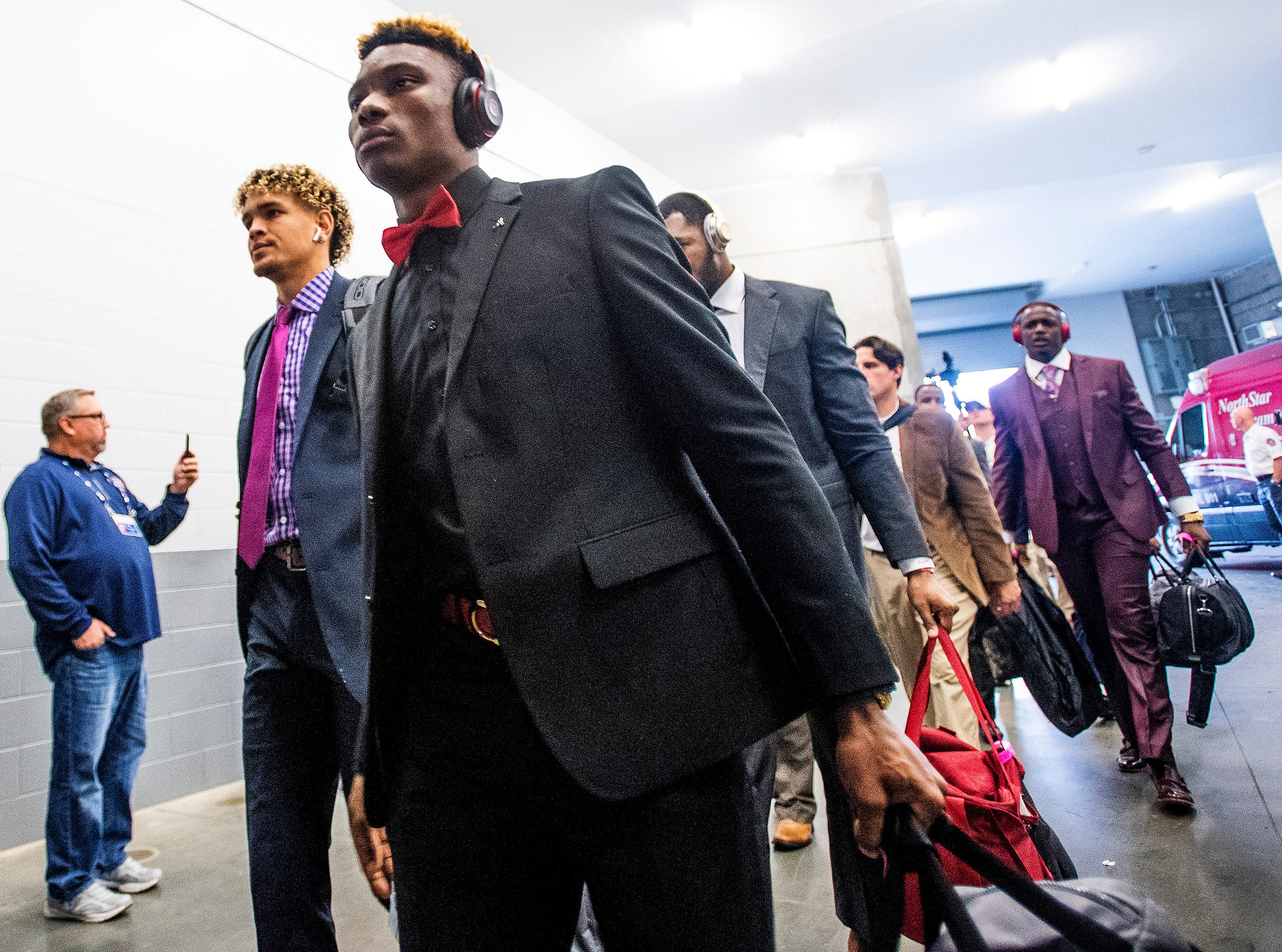 Alabama wide receiver Henry Ruggs, III, (11) arrives with the team before the SEC Championship Game at Mercedes Benz Stadium in Atlanta, Ga., on Saturday December 1, 2018.