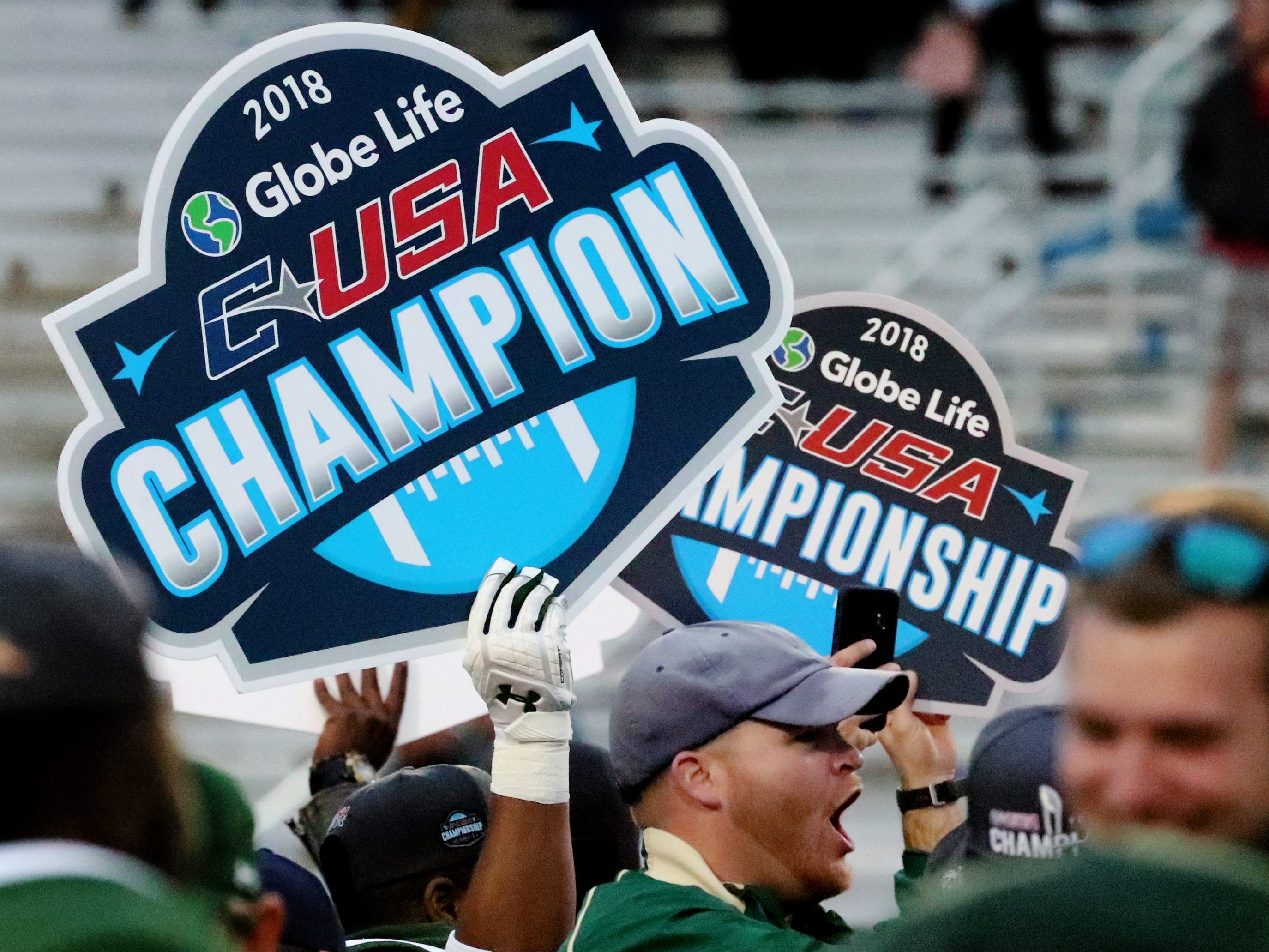 UAB celebrates beating MTSU 27-25 in the the Conference USA Championship game at MTSU on Saturday, Dec. 1, 2018.