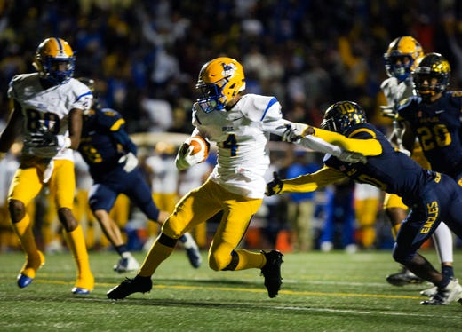 Miami-Northwestern football routs Naples in 6A state ...
