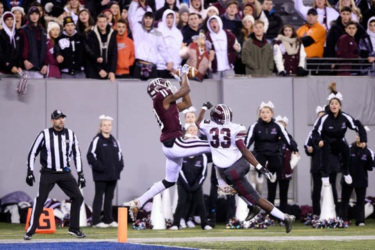 Wayne Hills football vs. Phillipsburg in North Group 4 Bowl Game at MetLife Stadium in East Rutherford on Friday, November 30, 2018. WH #10 Charles Njoku makes a catch for a touchdown in the first quarter.