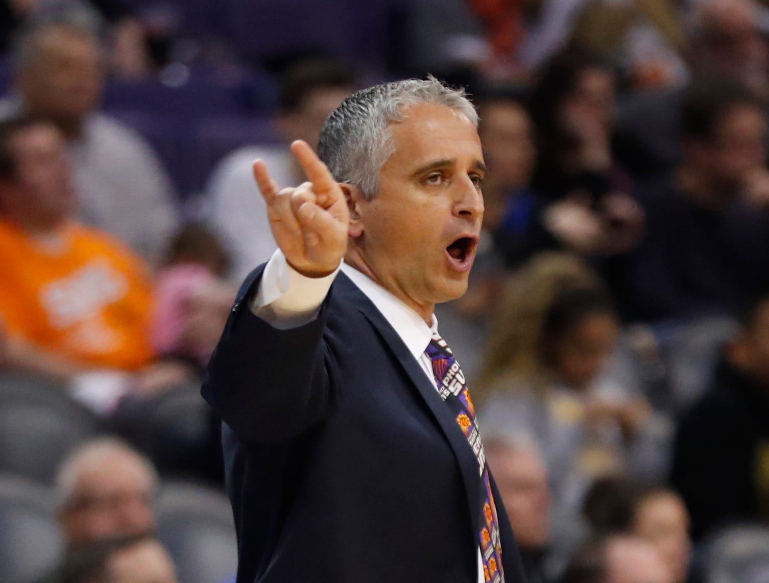 Suns head coach Igor Kokoskov yells to his team against the Magic during the first half at Talking Stick Resort Arena in Phoenix, Ariz. on November 30, 2018.