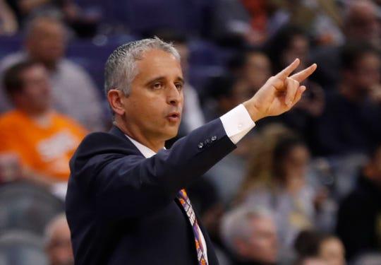 Suns head coach Igor Kokoskov yells to his team against the Magic during the first half at Talking Stick Resort Arena in Phoenix, Ariz. on November 30, 2018.
