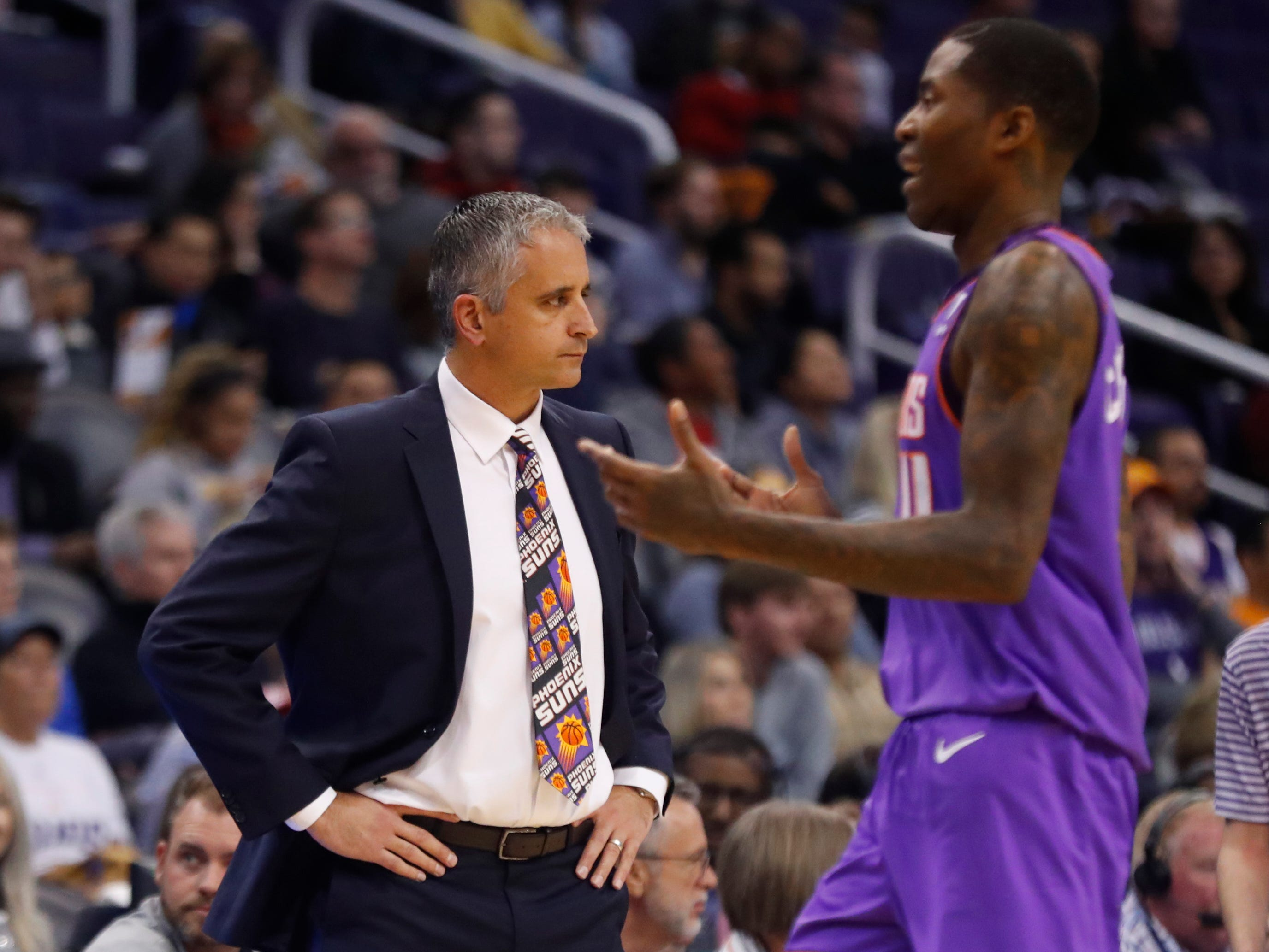 Suns head coach Igor Kokoskov reacts as Jamal Crawford leaves the court against the Magic during the first half at Talking Stick Resort Arena in Phoenix, Ariz. on November 30, 2018.