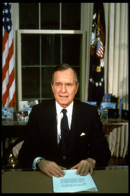 George H W Bush 41st Us President Who Saw End Of Cold War Dies At 94