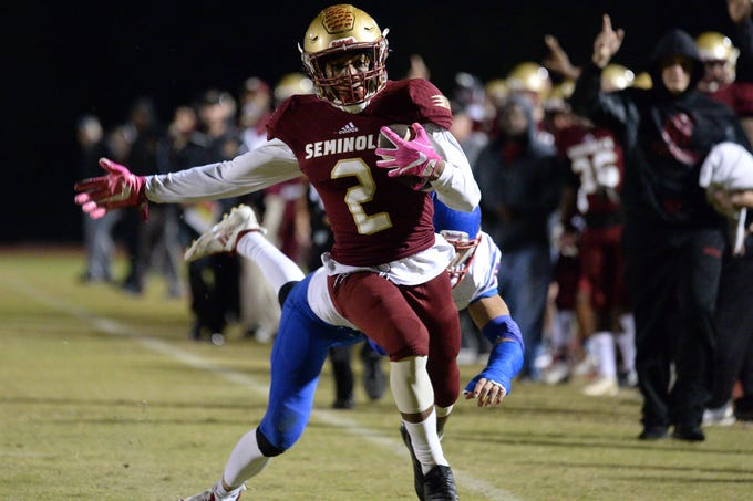 Florida High Javan Morgan (2) carries the ball for a 2nd quarter touchdown during the King's Academy Lions vs. Florida High Seminoles, Class 3A state semifinal, Tallahassee, FL, Nov. 30, 2018.