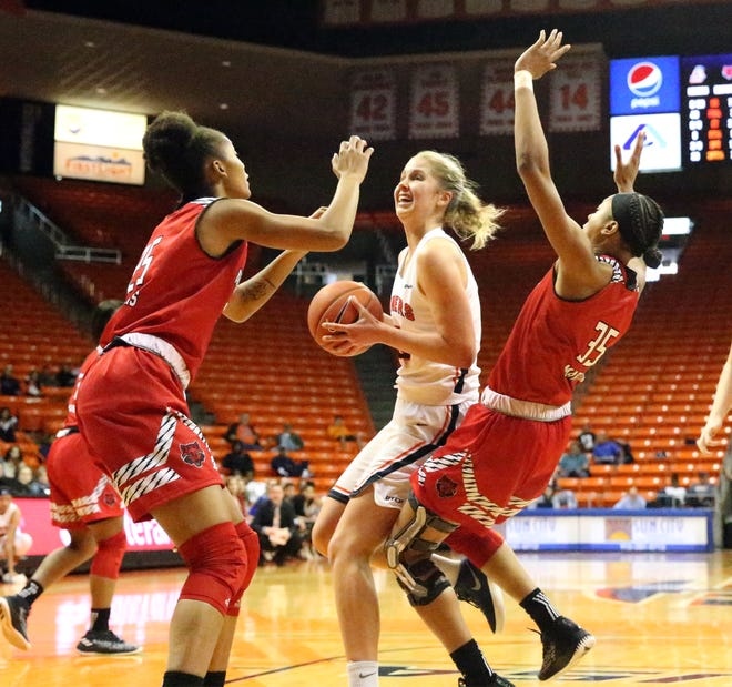 UTEP forward Zuzanna Puc drives to the basket against Arkansas State on Saturday, Dec. 1, 2018, in the Don Haskins Center.
