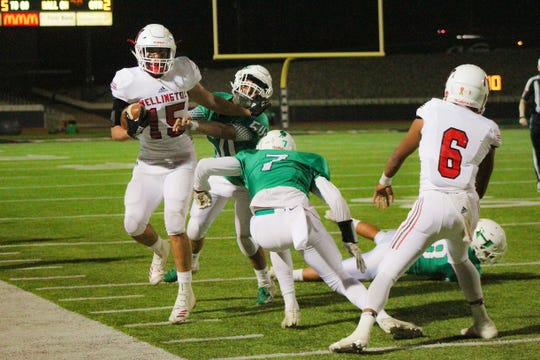 Wellington's Arturo Tellez is forced out of bounds by Hamlin's defense. The Pied Pipers' defense was effective in shutting down Wellington's offense.