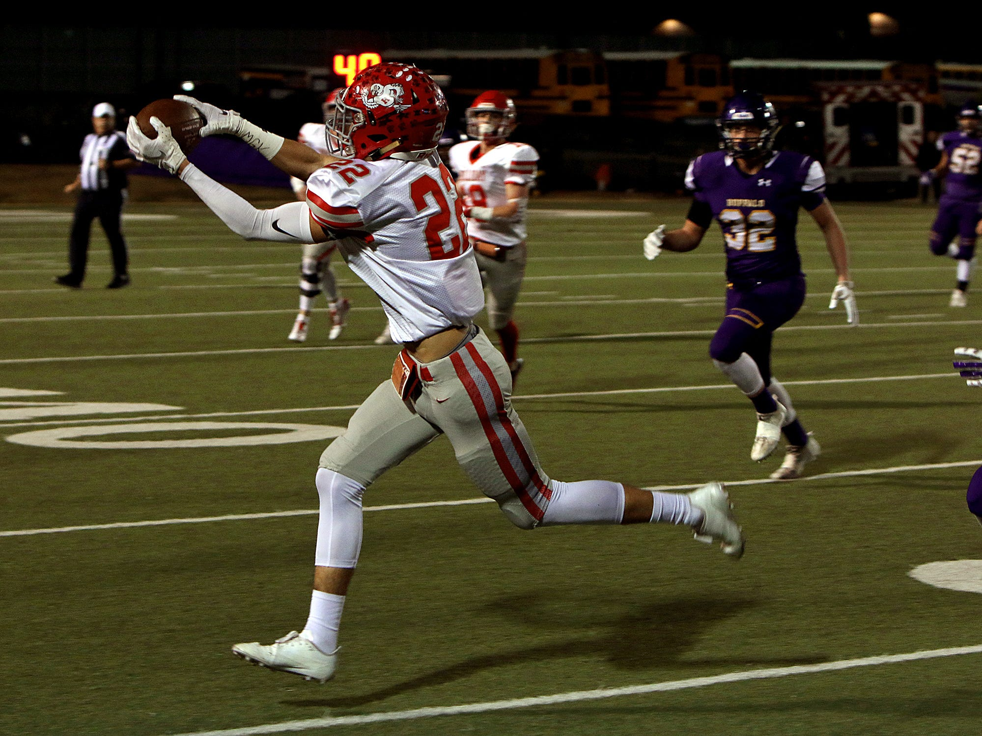 Holliday's Kody Jones (22) catches a pass against Buffalo on Friday, Nov. 30, 2018, in the Region II-3A Div. II regional game at Birdville ISD Athletics Complex in North Richland Hills.
