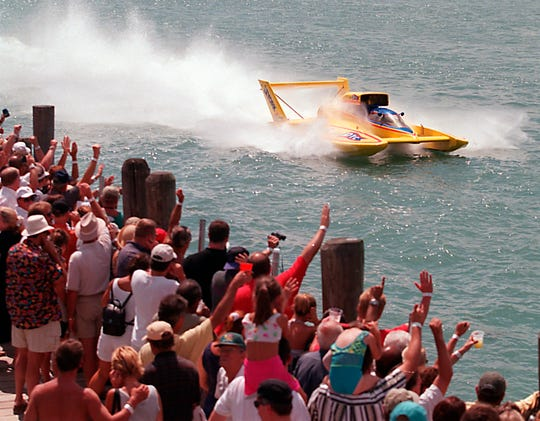The Detroit Yacht Club is on the course for the hydroplane races. Miss DYC goes by  Main Dock in 2009.