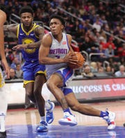Stanley Johnson drives against Warriors forward Jordan Bell during the second quarter Saturday.