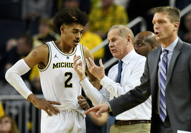 Sophomore guard Jordan Poole (2) is one of three Wolverines who has declared for the NBA draft.