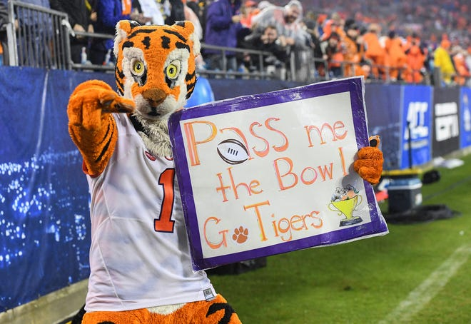 The Clemson Tiger during the 4th quarter of the Dr. Pepper ACC Championship at Bank of America Stadium in Charlotte, N.C. Saturday, December 1, 2018.