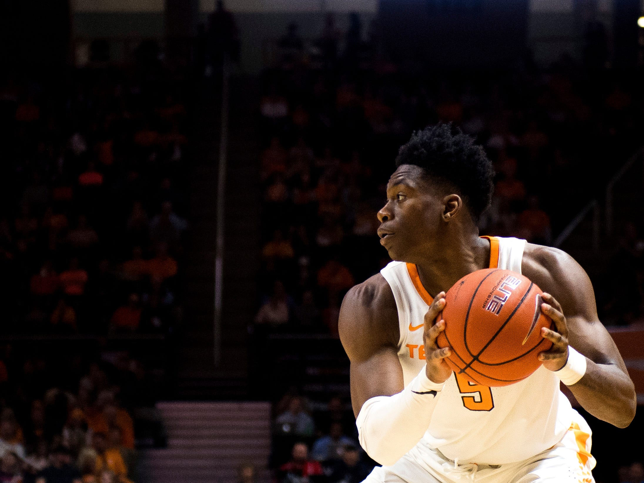 Tennessee guard Admiral Schofield (5) looks for an open teammate during the second half of the Tennessee Volunteers' home basketball game against the Texas A&M-Corpus Christi Islanders at Thompson-Boling Arena on Sunday, December 2, 2018.