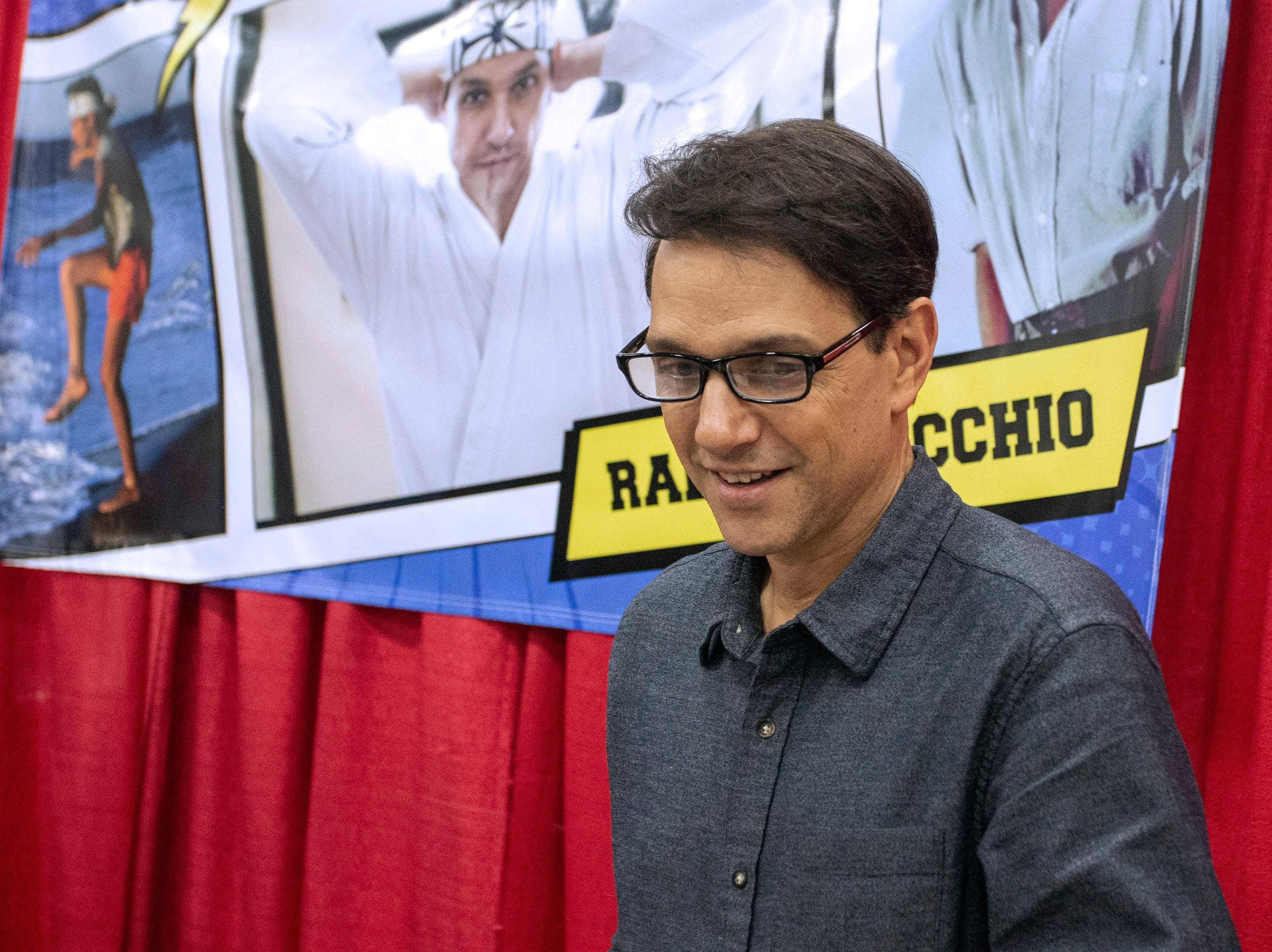 Ralph Macchio (The Karate Kid, The Outsiders, The Deuce) interacted with fans on Saturday at the Louisville SuperCon. 12/1/18