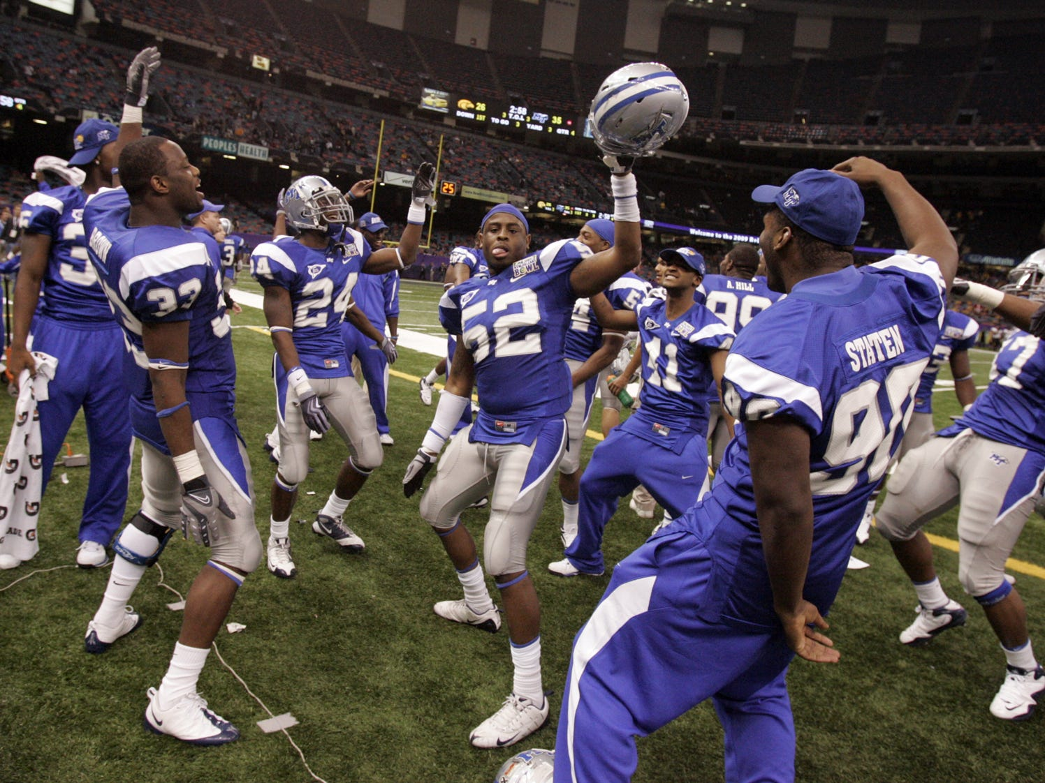 MTSU players celebrate during the fourth quarter of their win over Southern Miss in the New Orleans Bowl on Dec. 20, 2009.