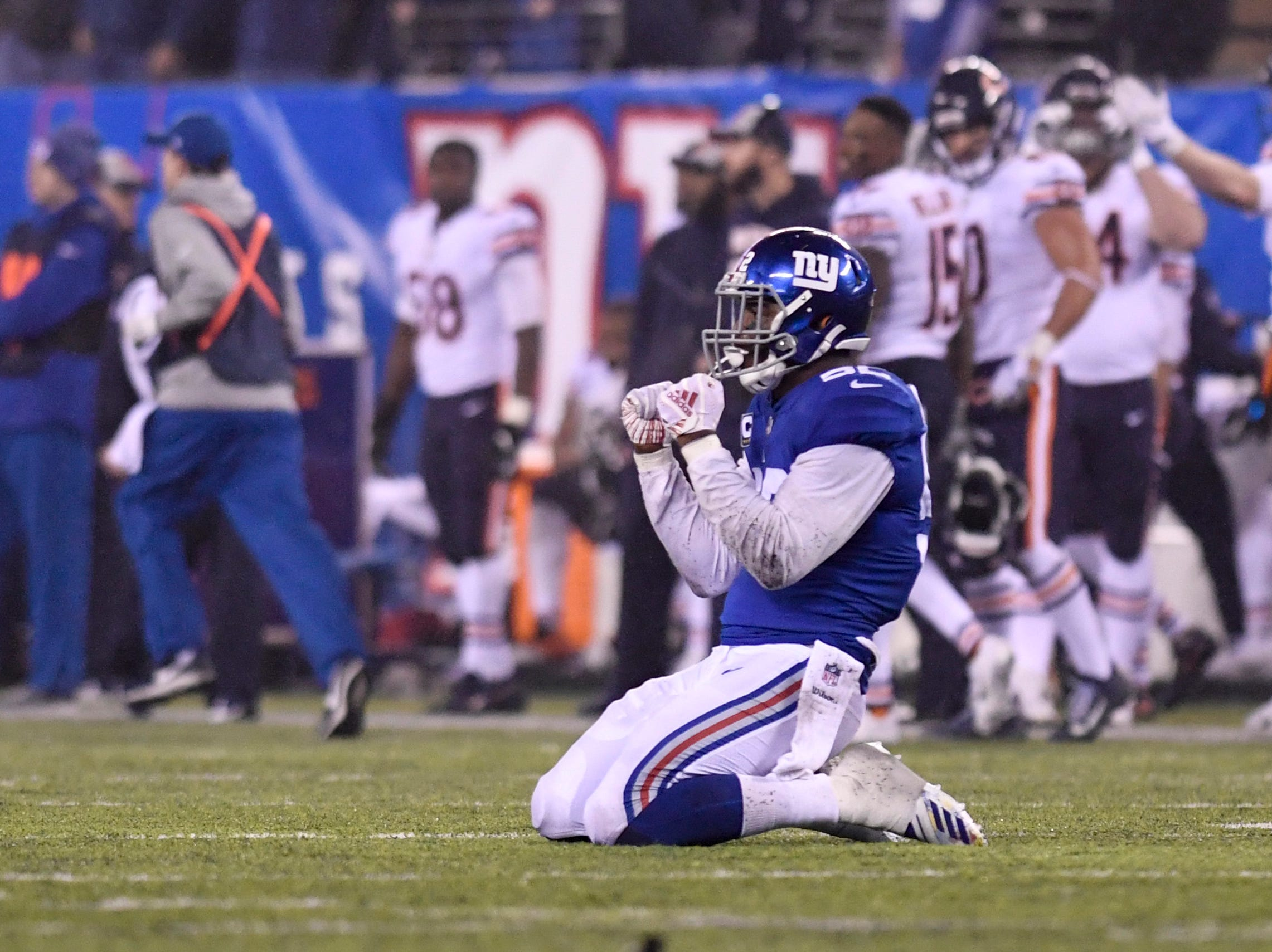 New York Giants linebacker Alec Ogletree (52) holds his fists up in celebration as the Giants defense stop the Chicago Bears in overtime. The New York Giants defeat the Chicago Bears in overtime 30-27 on Sunday, Dec. 2, 2018, in East Rutherford.