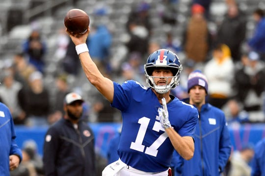 New York Giants quarterback Kyle Lauletta (17) throws the ball during warmups. Lauletta is active in Week 13 against the Chicago Bears on Sunday, Dec. 2, 2018, in East Rutherford.