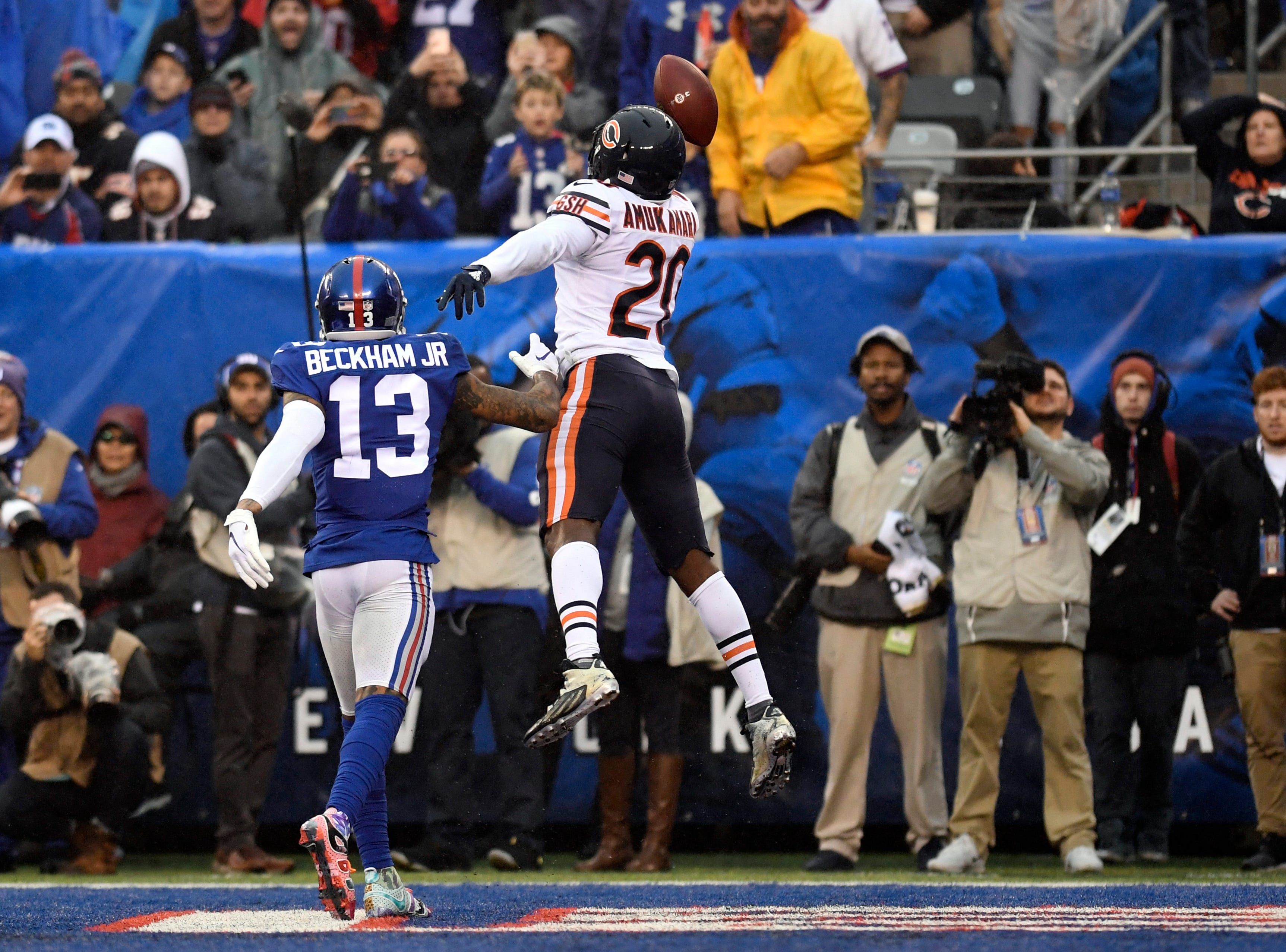 Chicago Bears cornerback Prince Amukamara (20) nearly picks off a touchdown pass intended for New York Giants wide receiver Odell Beckham Jr. (13) in the second half. The New York Giants defeat the Chicago Bears in overtime 30-27 on Sunday, Dec. 2, 2018, in East Rutherford.