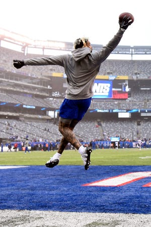 New York Giants wide receiver Odell Beckham Jr. makes a one-handed catch during warmups. The Giants face the Chicago Bears on Sunday, Dec. 2, 2018, in East Rutherford.